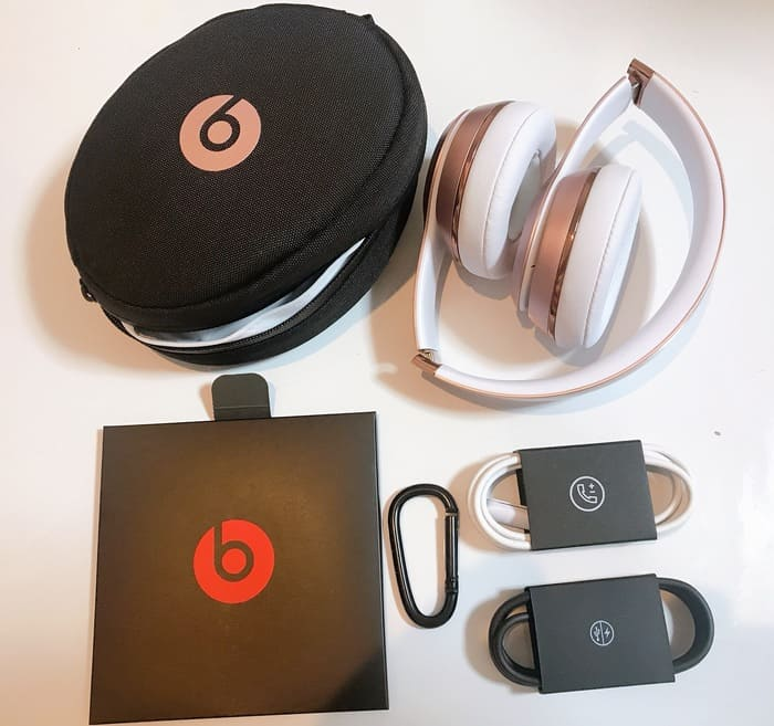 Beats solo3 wirelessの同梱内容