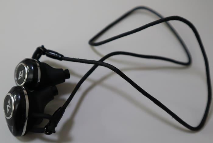 TE-D01d mk2の落下防止用ストラップ