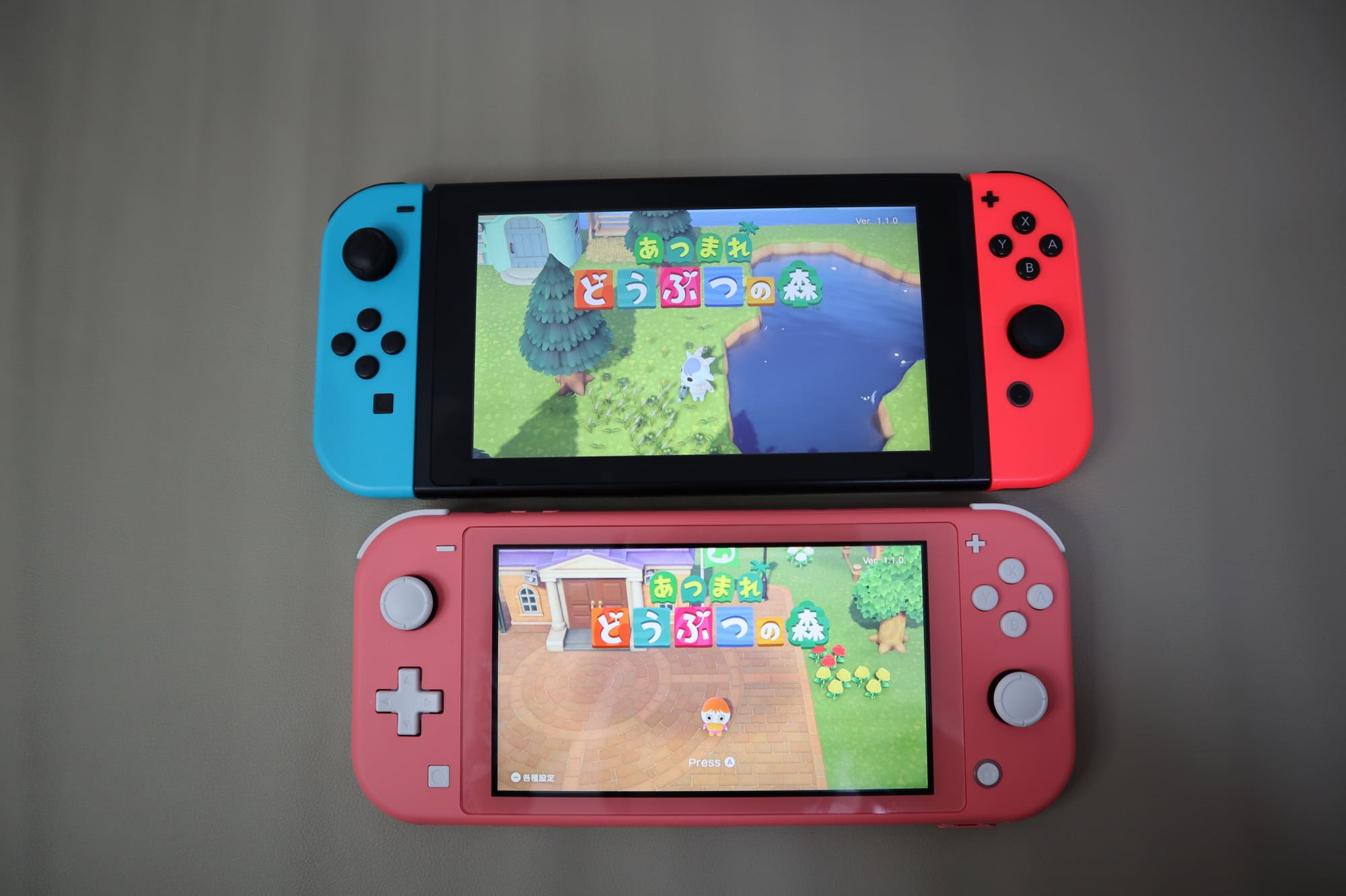 SwitchとSwitch Liteコーラル