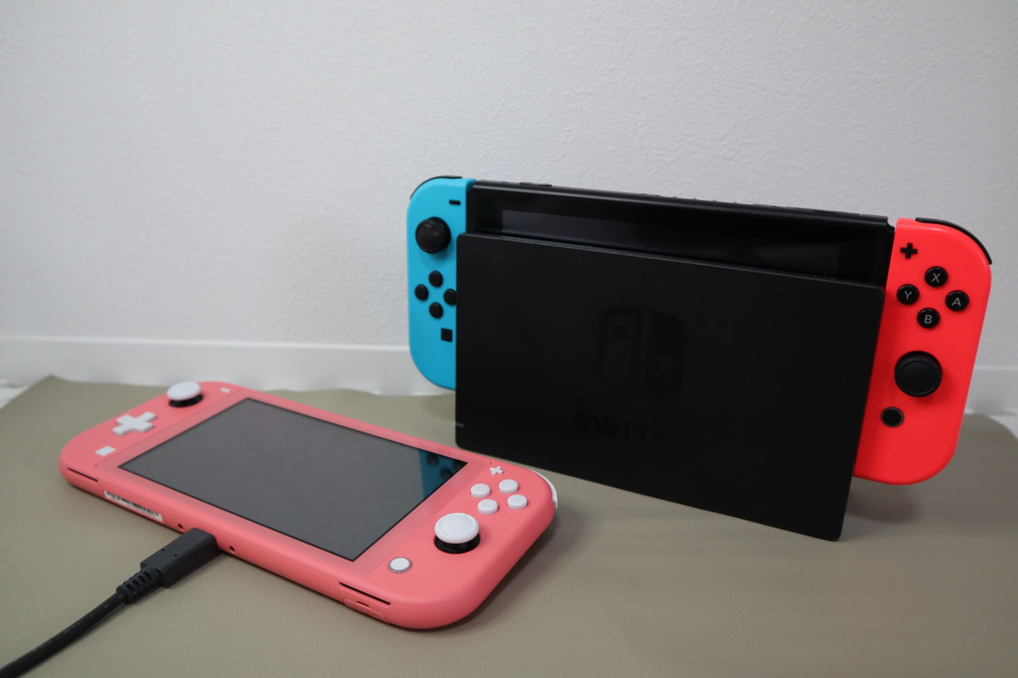 SwitchとSwitch Liteの充電