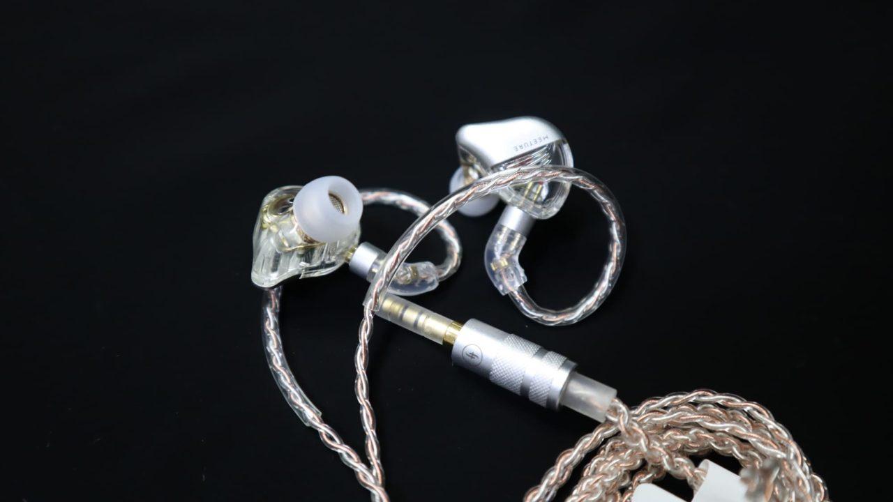 MT3 Proのイヤホンとケーブル