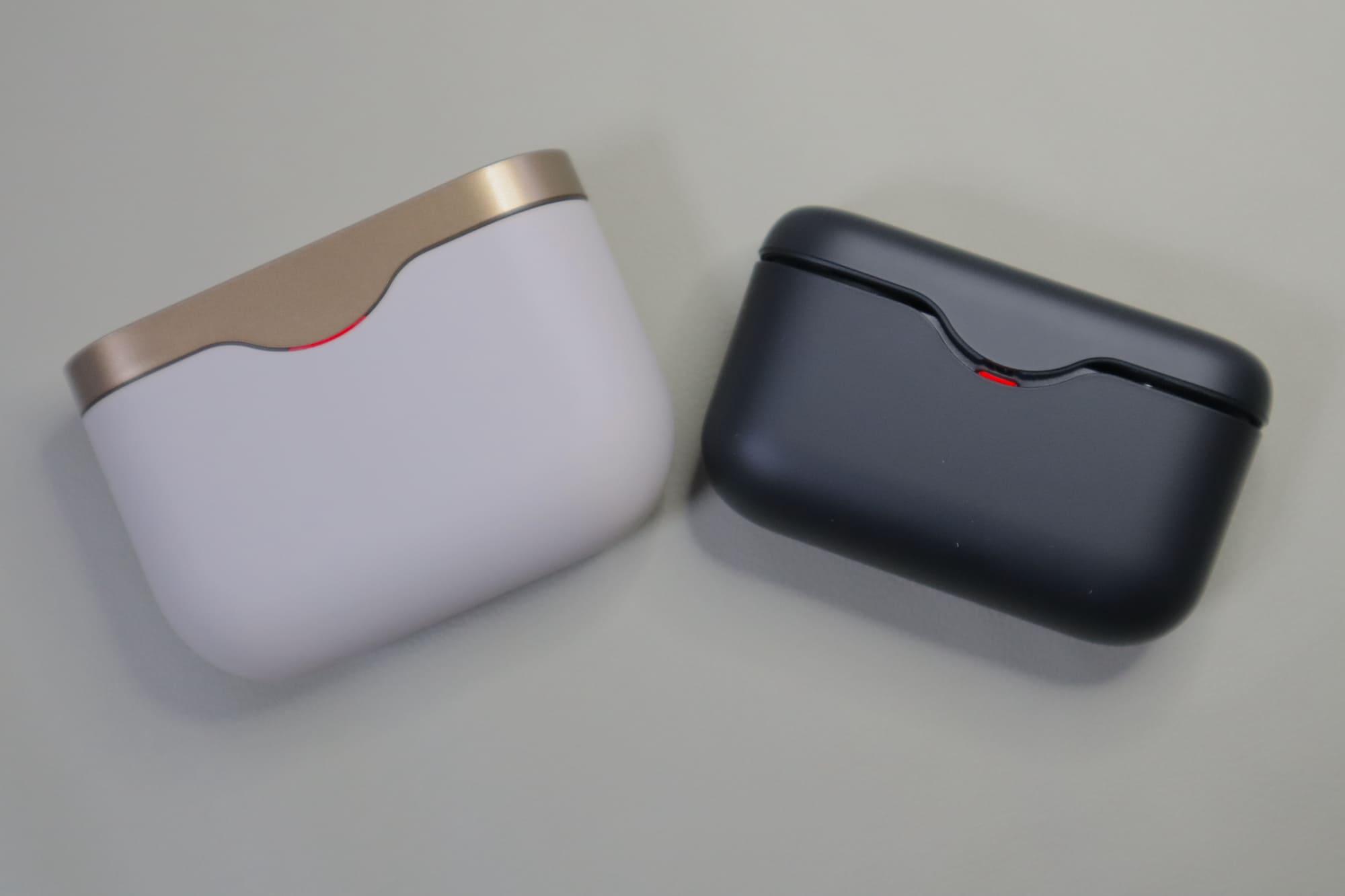 WF-H800とWF-1000XM3の充電ケース