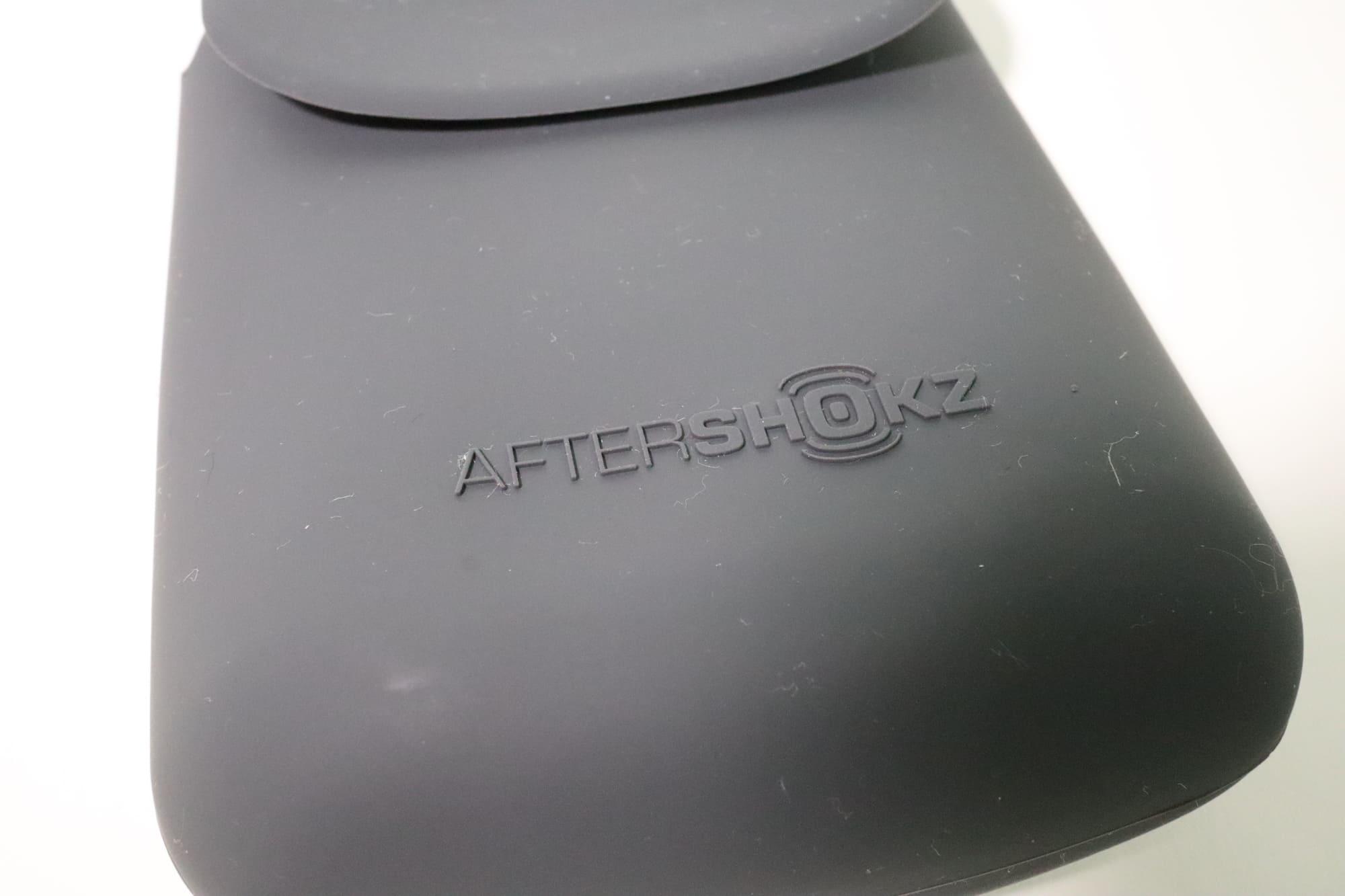AEROPEX付属のポーチ
