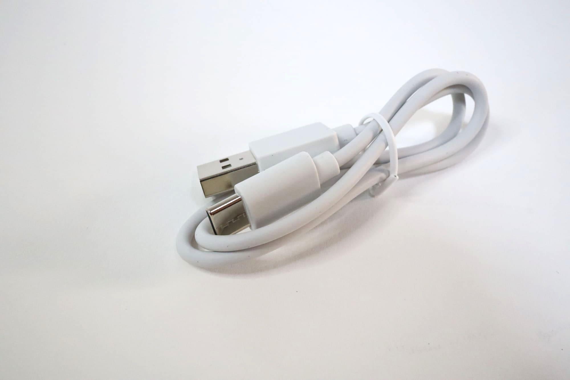 EarFun Freeの充電ケーブル