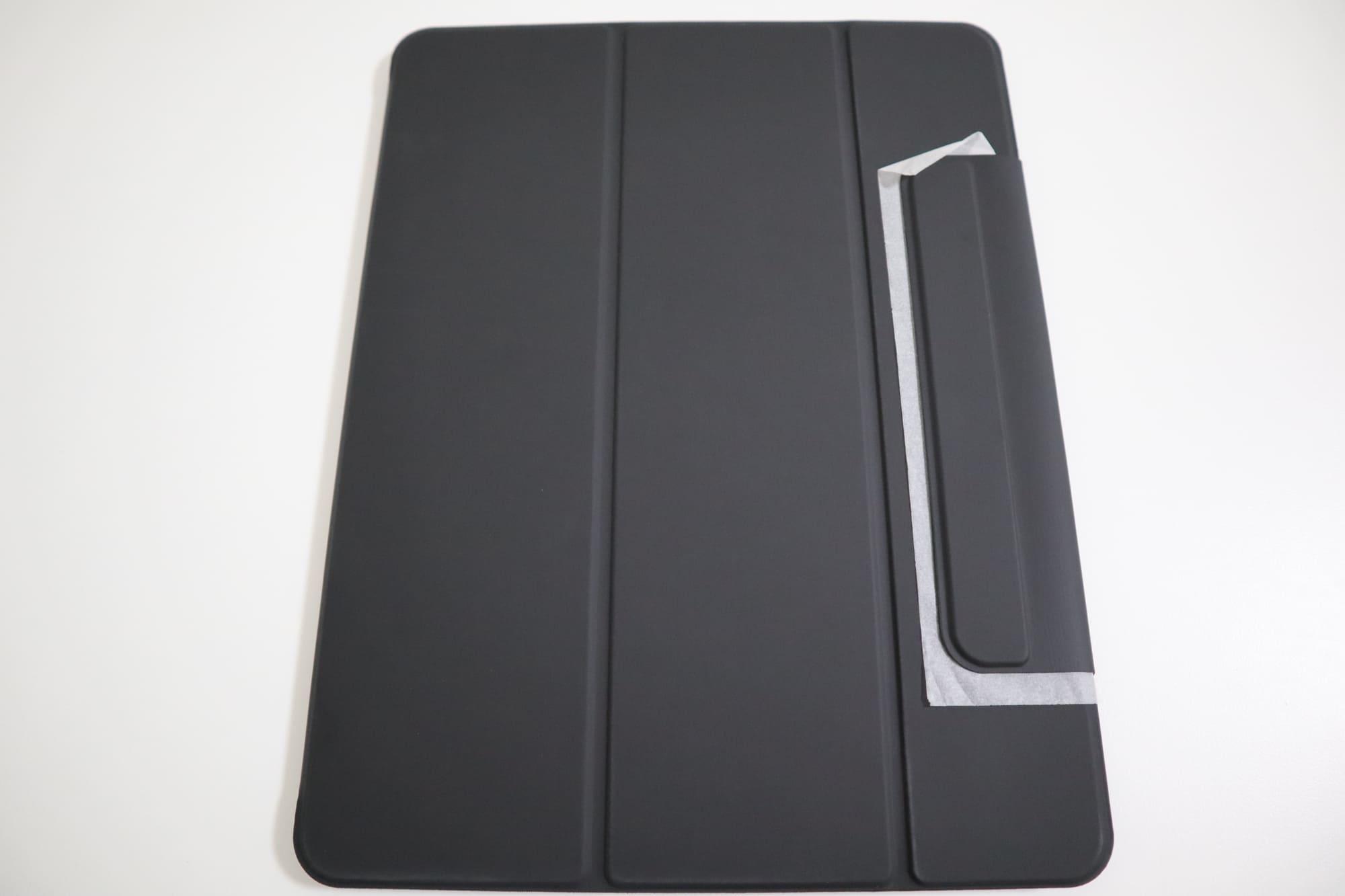 ESRのiPad Pro用ケースの前面部