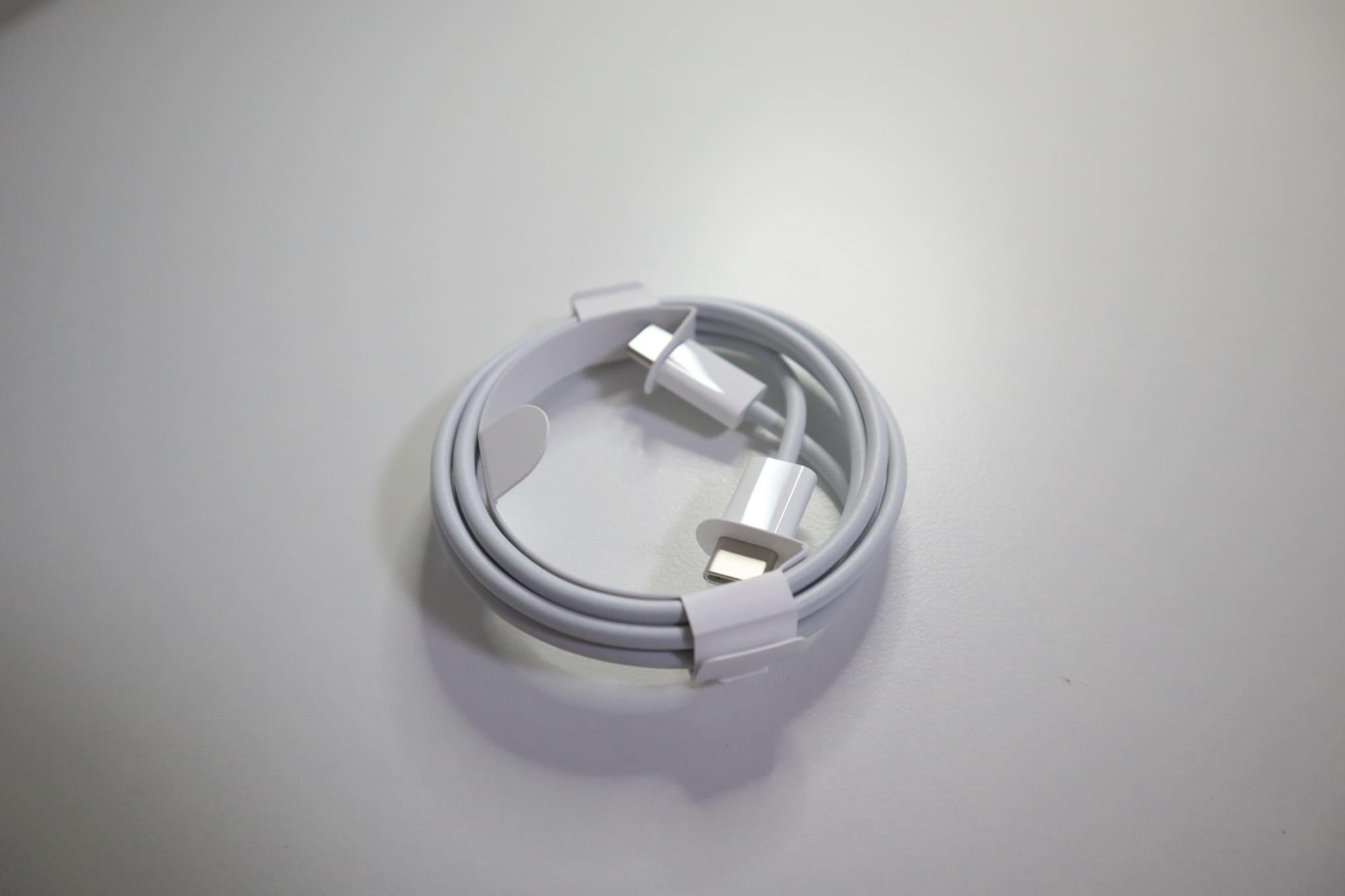 iPad Proの充電ケーブル