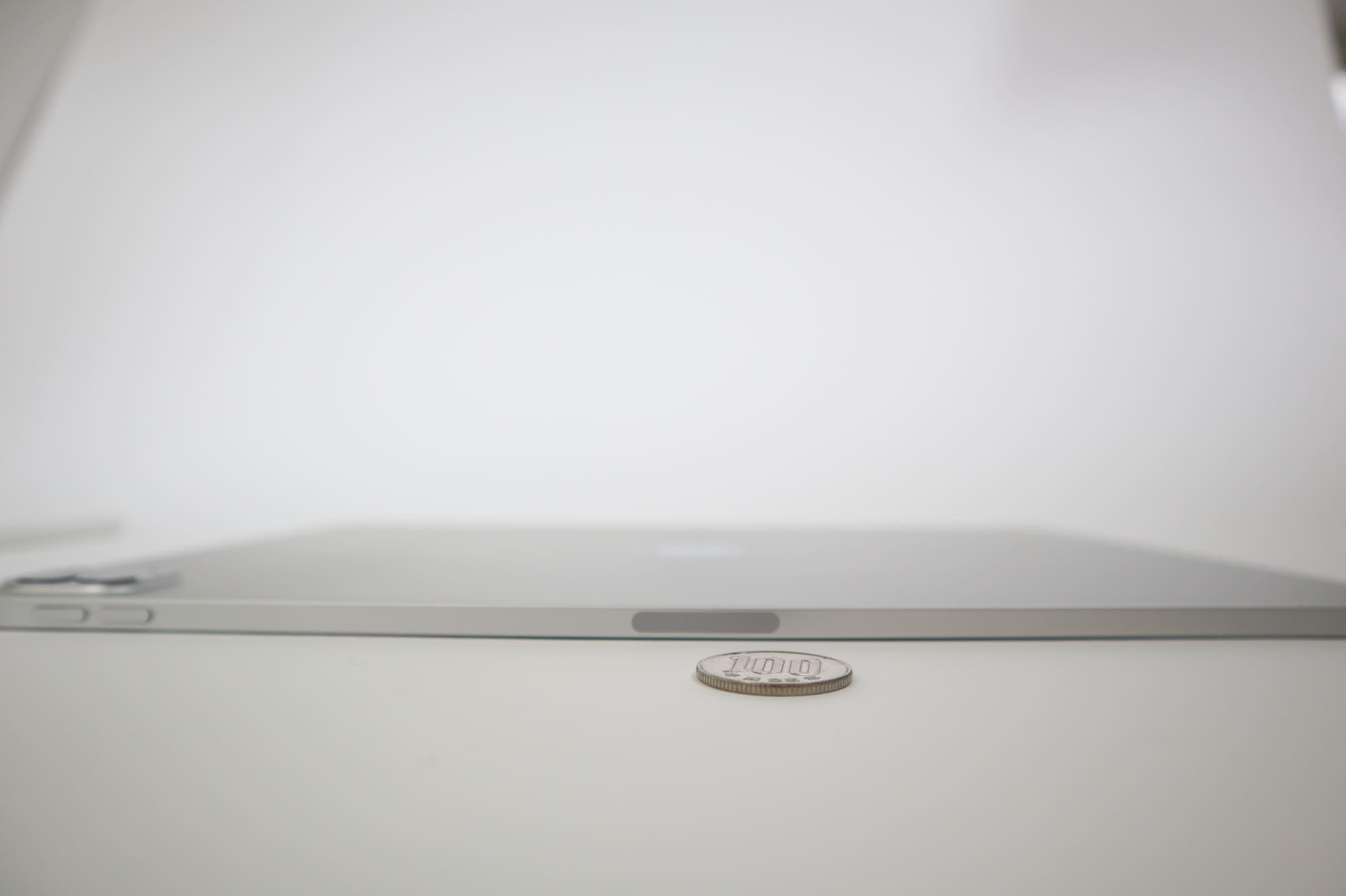 iPad Proの薄さ