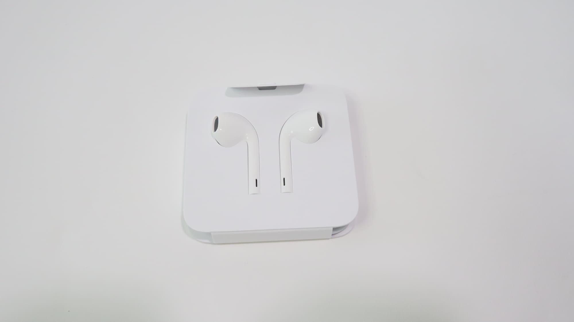 iPhone SE付属の有線イヤホン