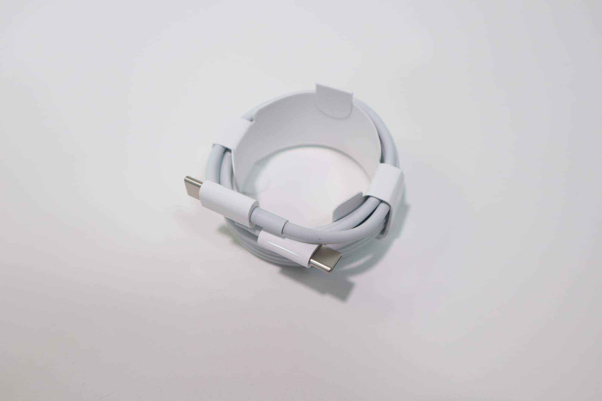 MacBook Air 2020付属の充電ケーブル