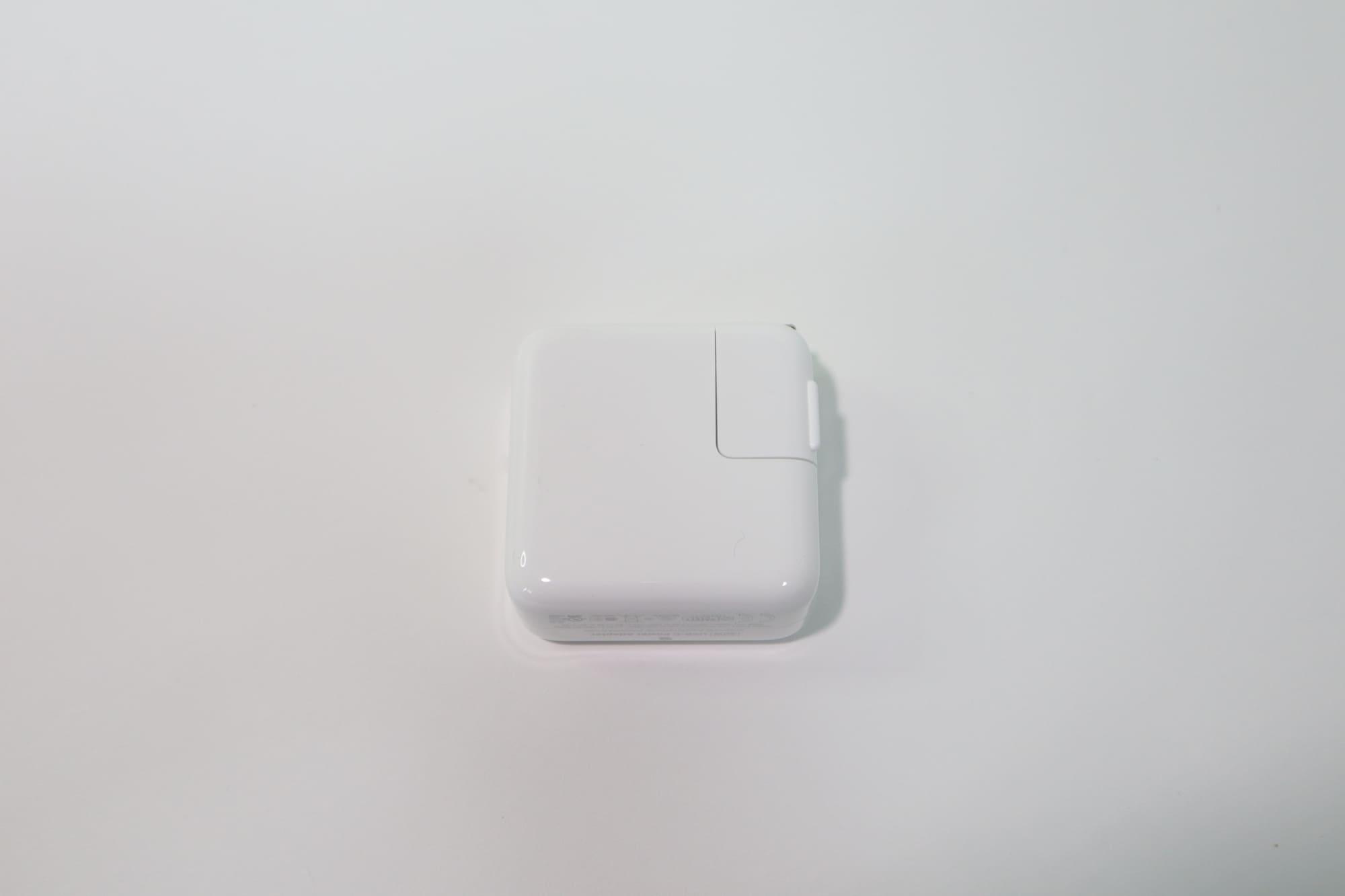 MacBook Air 2020の充電アダプタ