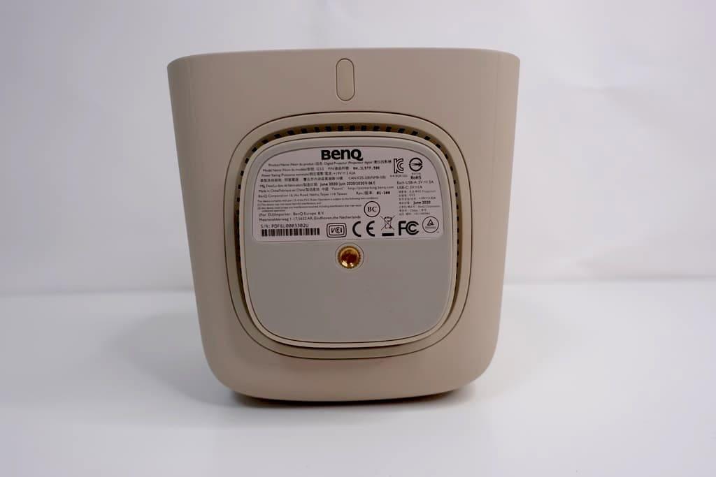 BenQ GS2の底部