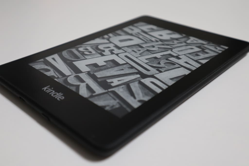 Kindle Paperwhiteは薄い